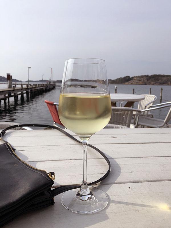 Chablis at Bryggcaféet Fjällbacka